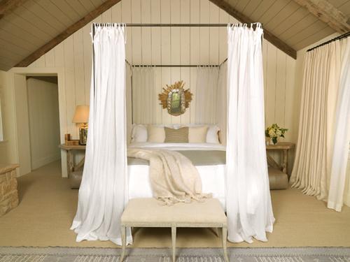 chambre chic lit à baldaquin
