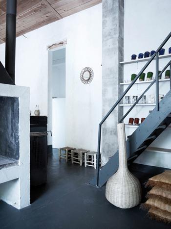 Escalier en métal dans Belle grange rénovée - Factory Chic
