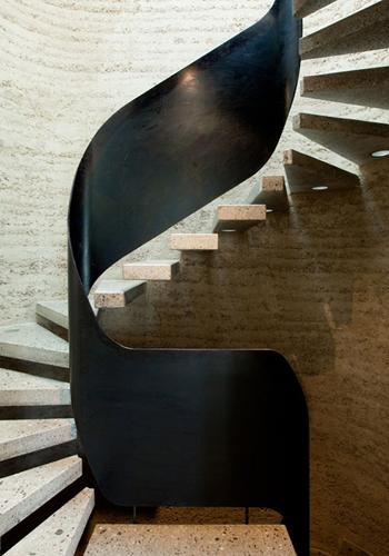 Superbe escalier en métal - FactoryChic