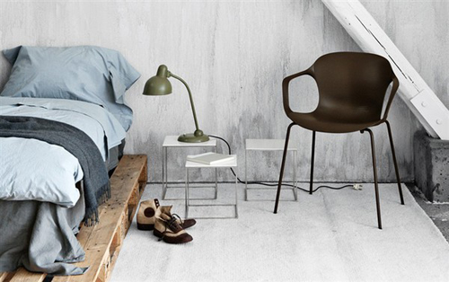 Belle chaise en bois - Décoration Chic