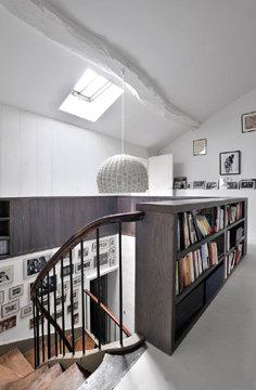 Escalier gris