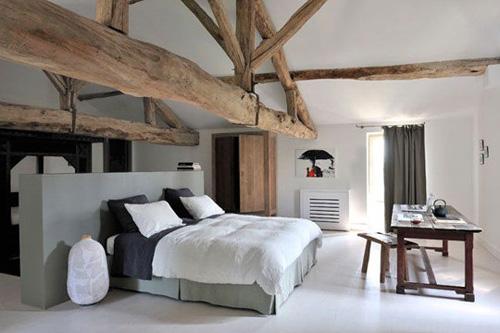 chambre et belle charpente