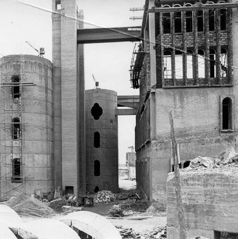 usine rénovée - photo d'époque