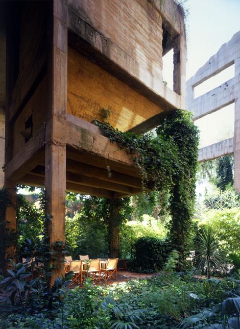 usine rénovée - table de jardin
