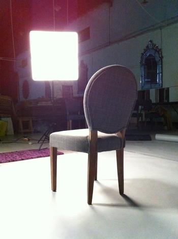 Une chaise en guest star