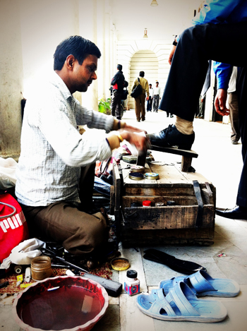 Cirage de chaussures à Connaught Place