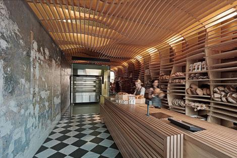 Un splendide comptoir en bois brut