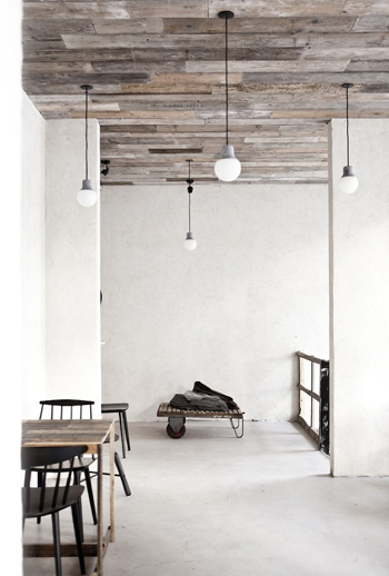 host copenhague un univers nature avec de belles tables. Black Bedroom Furniture Sets. Home Design Ideas