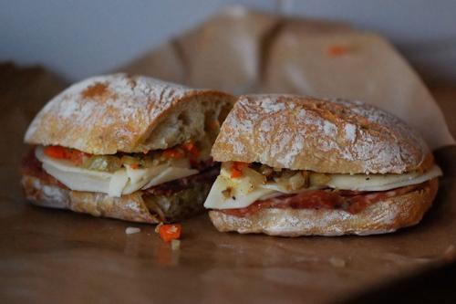 Un sandwich de Brooklyn Larder qui a l'air délicieux!