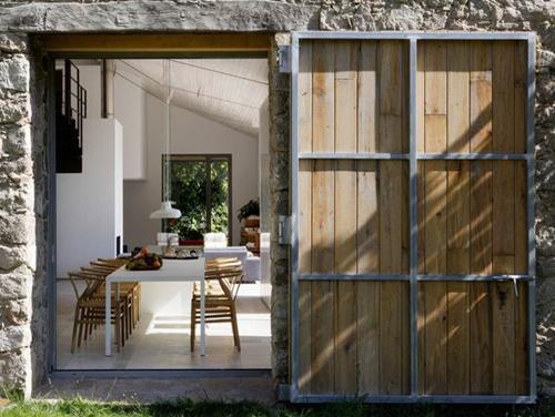 Une ancienne grange superbement rénovée - Blog Déco ...