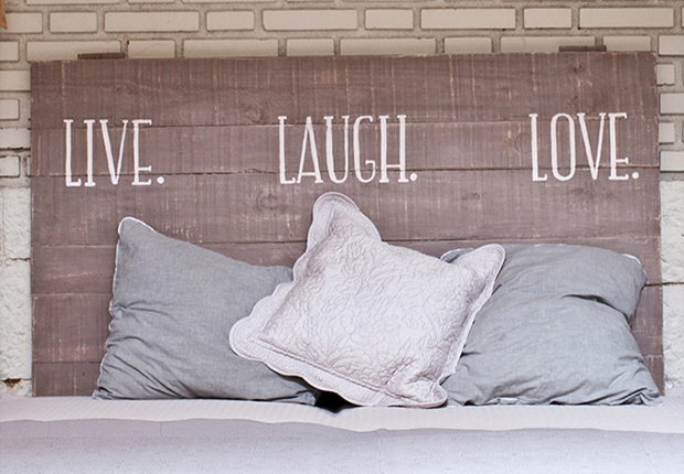 9 jolis mod les de t te de lit en bois for Tete de lit en bois fait maison